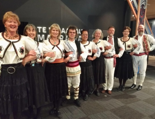 Mosaic of a cappella song and traditional dance